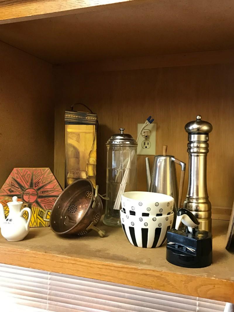 Estate sale kitchen items