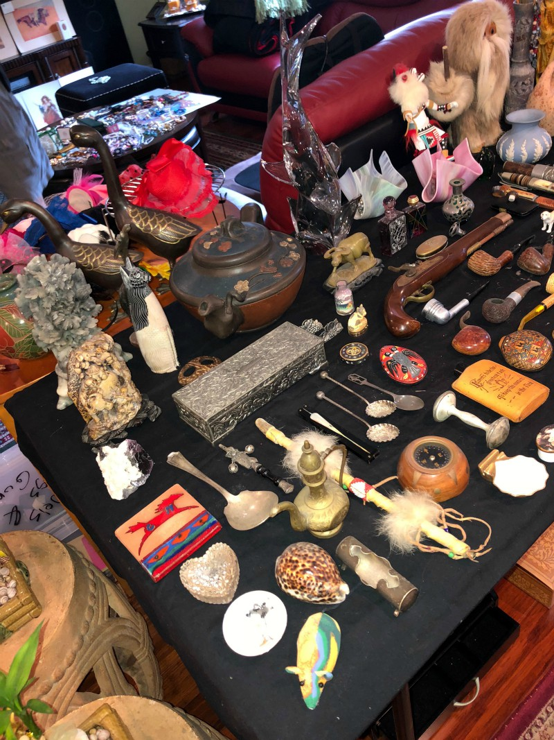 Estate sale nic nacs and collectibles
